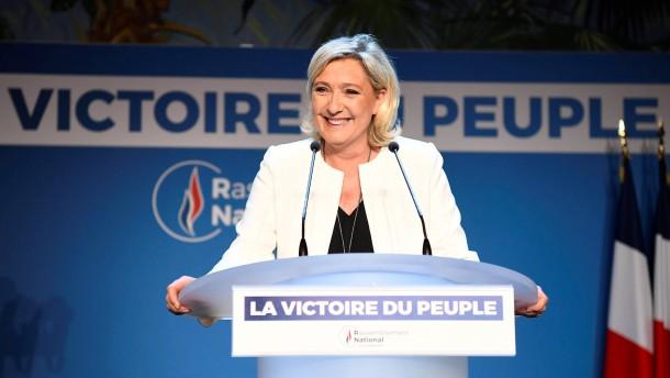 Gelbe Westen für Le Pen