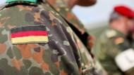Dienen in der Bundeswehr soll beliebter werden
