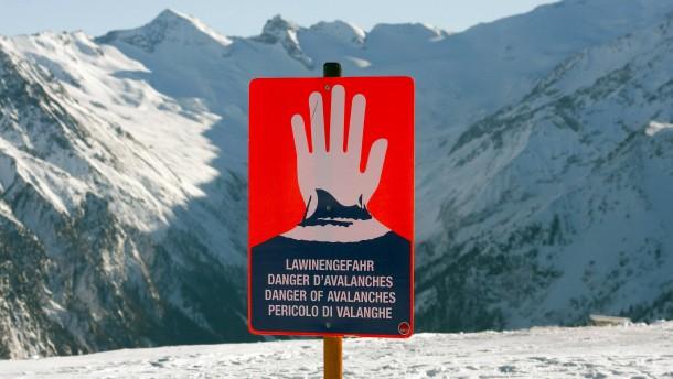 Retter fordern Strafen für Fahrlässigkeit in den Bergen