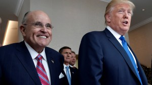 New Yorks ehemaliger Bürgermeister ergänzt Trumps Anwaltsteam