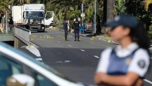 Wohl nur ein Polizeiauto sicherte die Promenade ab