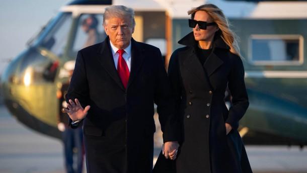 Trump begnadigt Weggefährten