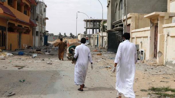 Offenbar Massaker unter Gaddafi-Anhängern in Sirte
