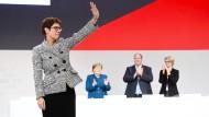Von nun an, führt sie die CDU: Annegret Kramp-Karrenbauer