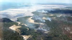 Schwere Buschfeuer auf Touristeninsel Fraser Island in Australien