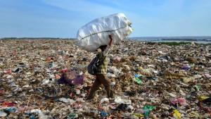 Bundesregierung fordert Exportverbot für unsortierten Plastikmüll