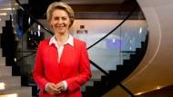 """Die Präsidentin der Europäischen Kommission, Ursula von der Leyen (CDU), fordert """"klare Worte und harte Verhandlungen."""""""