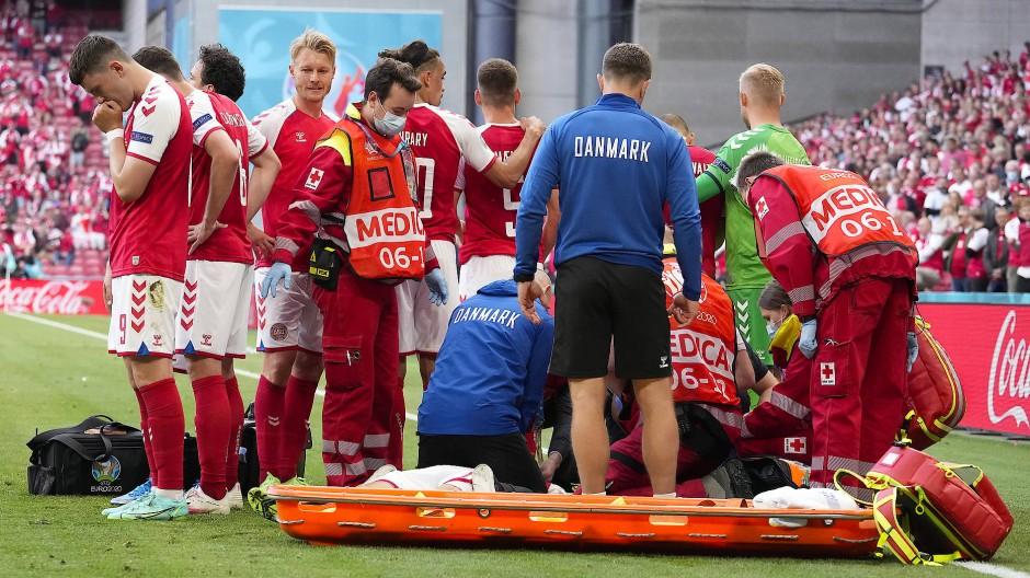 Christian Eriksen wurde durch einen Elektroschock wiederbelebt.