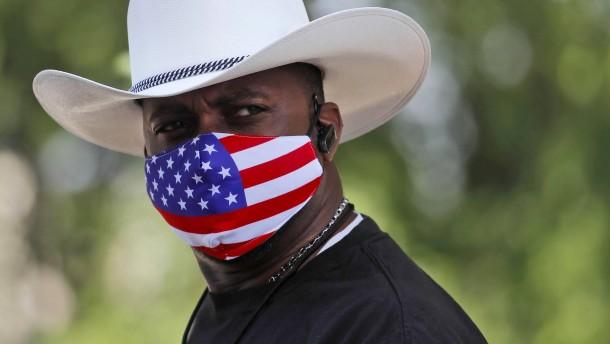 Texas führt Maskenpflicht ein