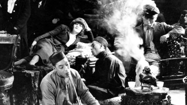 Vom Fluch und Segen des Opiums