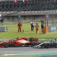 Mehr Zweikampf wagen? Charles Leclerc im Duell mit den beiden Mercedes-Boliden von Lewis Hamilton und Valtteri Bottas