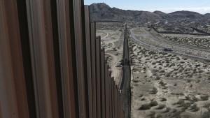 Mauer zu Mexiko könnte in zwei Jahren stehen