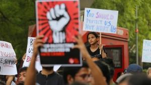 15 Festnahmen nach Vergewaltigung und Ermordung
