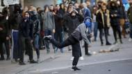 In Paris brennt wieder die Vorstadt