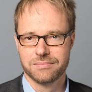 """Reinhard Veser - Portraitaufnahme für das Blaue Buch """"Die Redaktion stellt sich vor"""" der Frankfurter Allgemeinen Zeitung"""