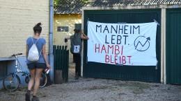 Aktivisten dringen in Tagebau und leere Häuser ein