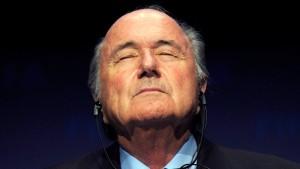 Blatter bekennt sich fröhlich zur Mitwisserschaft