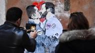 In Berlin wird die neue Liebschaft zwischen Italiens Populisten sehr skeptisch beobachtet.