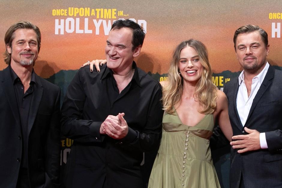 """Brad Pitt, Quentin Tarantino,  Margot Robbie und Leonardo DiCaprio bei der Premiere von """"Once Upon a Time in... Hollywood' in Berlin."""