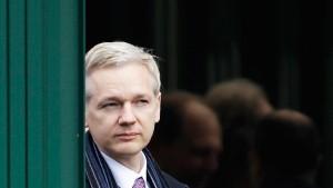 Gericht: Assange darf ausgeliefert werden