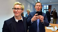 Susanne Hennig-Wellsow und der designierte Ministerpräsident Thüringens, Bodo Ramelow