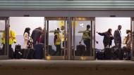 Syrische Flüchtlinge kommen in Toronto an.