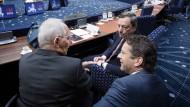 Europartner setzen Griechenland mit Extra-Sparpaket unter Druck