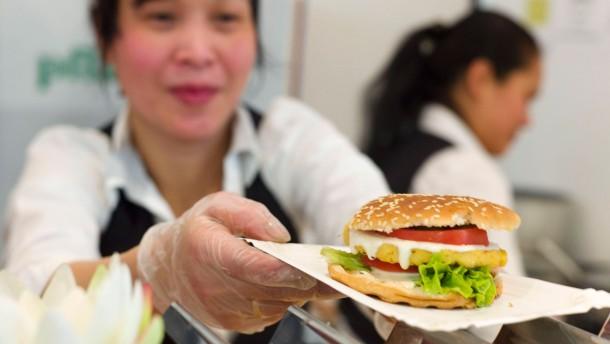 Veggie-World - Die  Messe für Rohköstler, Veganer, Vegetarier und vegetarischen Lifestyle  in den Rhein-Main-Hallen in Wiesbaden, will die Besucher über vegetarische Produkte und fleischfreie Verköstigung informieren.