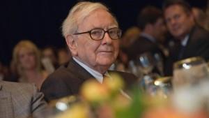 Warren Buffett versteigert ein Mittagessen