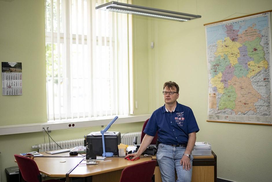 Detlef Ebert in seinem Büro: Seine Tage sind ziemlich voll.