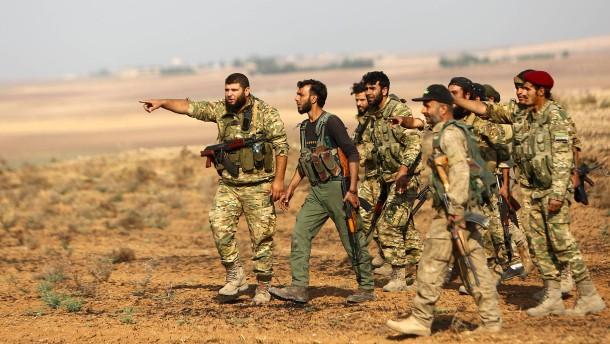 Verbündete der Türkei töten syrische Soldaten