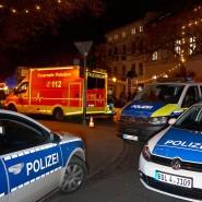 Ladung entschärft: die Polizei sperrt im Dezember 2017 die Straßen um einen Weihnachtsmarkt in Potsdam. Kurz zuvor war am Rande von diesem eine Paketbombe entdeckt worden.