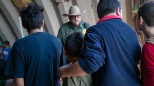 Oberstes Gericht erlaubt Trumps verschärfte Asylregeln