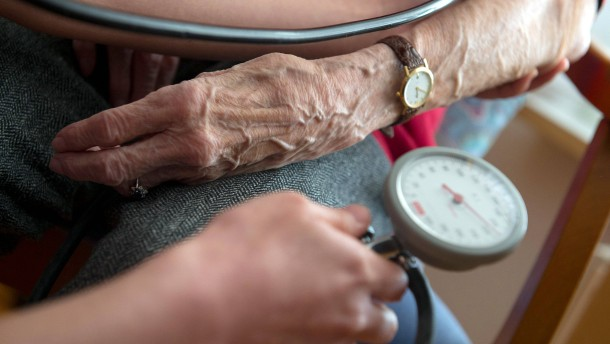 Altenpflege kostet – bald wohl noch mehr