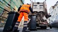 Beseitigung und Entsorgung unseres Mülls kostet Millionen. In anderen europäischen Ländern geht man aber sogar noch verschwenderischer als wir mit Abfall um.