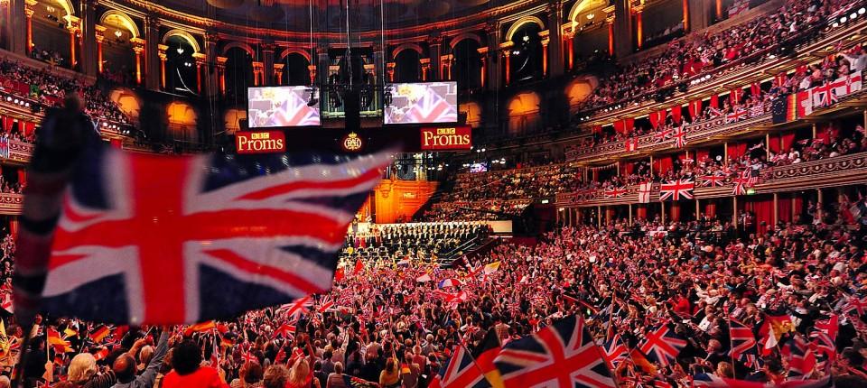 """Die Royal Albert Hall beflaggt und mit Menschen: So wird das """"Last Night of the Proms""""-Konzert in diesem Jahr nicht über die Bühne gehen,"""
