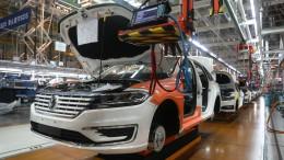 Chip-Mangel der Autobranche beschäftigt nun auch die Regierung