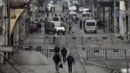 In der beliebten Einkaufstraße Istiklal in Istanbul sprengte sich ein Attentäter in die Luft.