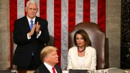 Vizepräsident Mike Pence (l), Donald Trump (Mitte) und Nancy Pelosi (r) am 5. Februar 2019 bei der Rede zur Lage der Nation