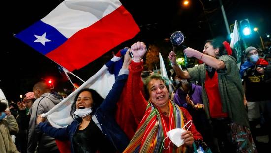 Chilenen schütteln Pinochet-Ära ab