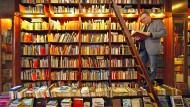 Eine wohlsortierte Buchhandlung: Antiquar Andre Bauer in Leipzig