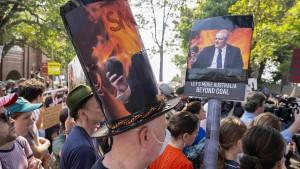 Brände zwingen Premier Morrison zur Heimkehr