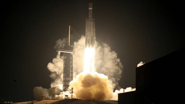 Weitere 24 Satelliten für das Weltall