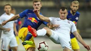 RB Leipzig müht sich gegen zehn Ukrainer