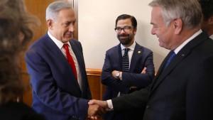 Paris ringt mit Israelis und Palästinensern über Friedenskonferenz