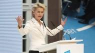 """Verteidigungsministerin Ursula von der Leyen: """"Die Stärke der offenen, demokratischen Gesellschaft ist ihre Überzeugungskraft."""""""