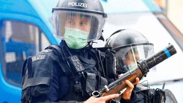Schweizer stimmen für strenges Anti-Terror-Gesetz