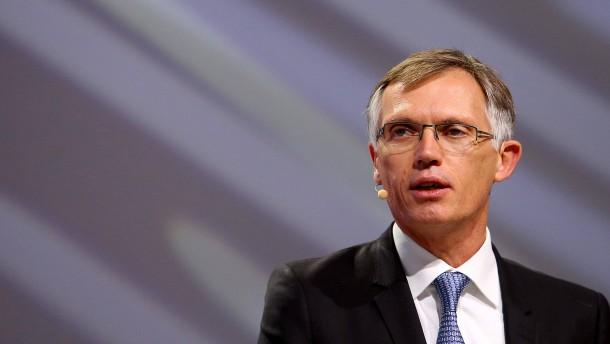 Peugeot-Chef gibt Jobgarantie für Opel