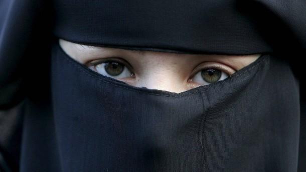 Burkaverbot tritt in Kraft