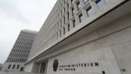 Diebe stehlen Klobrillen im Innenministerium